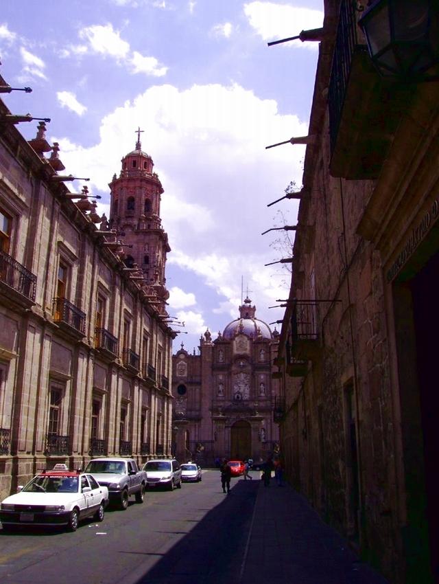 07 Calle Benito Juárez, Catedral al fondo 01