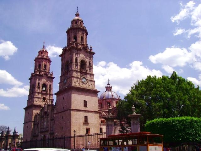 07 Catedral de Morelia 01