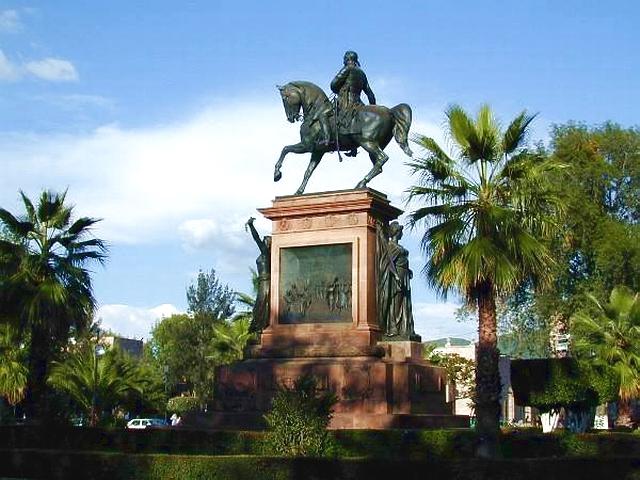 07 Monumento a Morelos 01